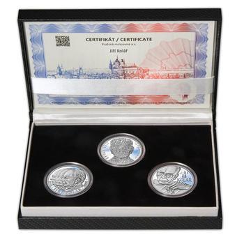 JIŘÍ KOLÁŘ – návrhy mince 500,-Kč - sada tří Ag medailí 34mm Proof v etui - 1