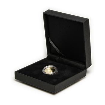 Stříbrný medailon k narození dítěte s peřinkou 2019 - 28 mm, Stříbrný medailon k narození dítěte s peřinkou 2019 - 28 mm - 2